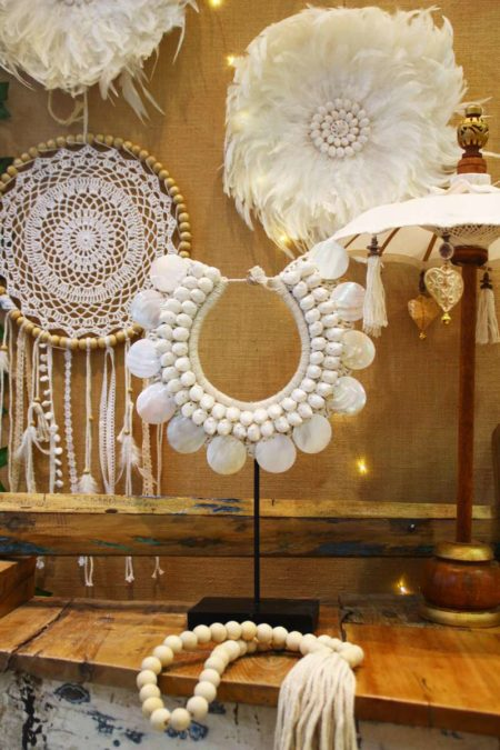 Collier Papou coquillages blancs